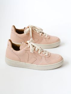 ee6fce2a14fbd4 VEJA - V10 LEATHER - PERF NUDE