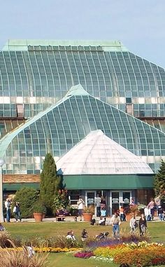 Lincoln Park Conservatory | Travel | Vacation Ideas | Road Trip | Places to Visit | Chicago | IL | Other Outdoor Place | Monument | Scenic Point | Historic Site | Architectural Site | Children's Attraction | City Park