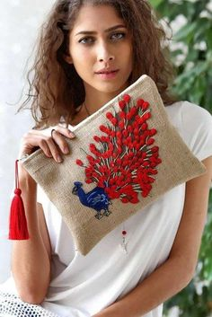 Best 12 J T's media content and analytics – SkillOfKing. Embroidery Bags, Embroidery Stitches, Embroidery Patterns, Diy Clutch, Clutch Bag, Jute Bags, Boho Bags, Fabric Bags, Knitted Bags