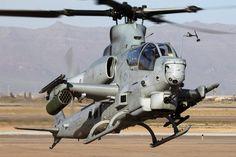 Aviones Caza y de AtaqueBell AH-1Z Viper   Tipo  Helicóptero de ataque Fabricante  Estados Unidos - Bell Helicopter Primer vuelo 8 de diciembre de 2000 Introducido Septiembre de 2010 Estado En servicio Usuario  Cuerpo de Marines de los Estados Unidos
