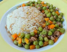 Arabic Food Recipes: Peas with rice (Bazella W Riz) Recipe Arabic Food Reci Lebanon Food, Lebanese Recipes, Syrian Recipes, Lebanese Cuisine, Arabian Food, Egyptian Food, Rice And Peas, Georgia, Cooking Recipes