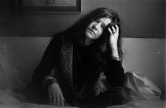 Janis foi encontrada morta em seu quarto, aos 27 anos, em 1970, vítima de uma overdose de heroína (Foto: Getty Images)