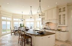 Premier - Traditional - Kitchen - boston - by Venegas and Company: favorite kitchen layout Traditional Style Kitchen Design, Traditional House, Traditional Kitchens, Traditional Cabinets, Traditional Bedroom, New Kitchen, Kitchen Dining, Kitchen Decor, Dining Rooms