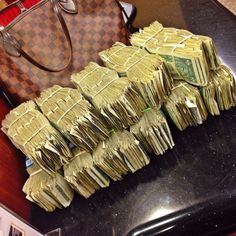 I'm a rich and powerful money magnet Money On My Mind, My Money, Argent Paypal, Money Pictures, Money Stacks, Manifesting Money, How To Get Money, Extra Money, Wealth