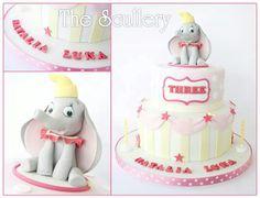 Dumbo Vintage Circus cake x Elephant Cake Pops, Elephant Cakes, Dumbo Cake, Circus Theme Cakes, Carnival Birthday Parties, Circus Birthday, Baby Birthday, 1st Bday Cake, Vintage Circus Party