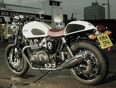 Triumph Thruxton Ace - Special Edition (Video) http://caferacercult.gr/news/triumph-thruxton-ace-special-edition-video.html