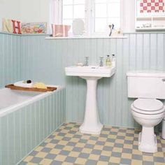 retro-ideas-for-bathroom-decorating-yellow-blue-tiles