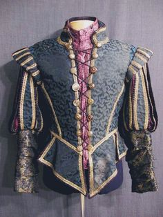 Loving the mismatched buttons and lacing - good for a late 17th century pirate!