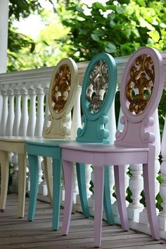 love chair by daphne Porch Chairs, Dining Chairs, Open Concept Home, French Country Decorating, Country French, French Style, Love Chair, Pastel Decor, Sweet Home Alabama
