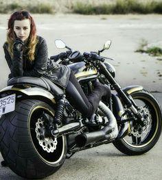 Betty Brosmer, Biker Quotes, V Rod, Biker Chic, Super Bikes, Car Girls, Street Photo, Heavy Metal, Motorcycles