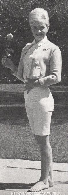 Doris Day always dressed so cute