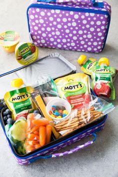 Back to School Lunch ideas for making packing lunches easier. A great system for good for you lunches for kids The Battle of the Lunches! Back to School Lunches for Mom's who need to plan ahead and want their kids to take some responsibility too! Back To School Lunch Ideas, After School Snacks, School Lunches, Work Lunches, Healthy Lunches For Kids, Lunch Snacks, Lunch Box, Birthday Lunch, School Birthday