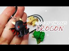 Colgante Drogon - Game Of Thrones - Polymer Tutorial Polymer Clay Charms, Polymer Clay Jewelry, Diy Clay, Clay Crafts, Biscuit, Drogon Game Of Thrones, Polymer Clay Halloween, Game Of Thrones Jewelry, Game Of Trones