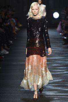 Blumarine Fall 2016 Ready-to-Wear Fashion Show Catwalk Fashion, Look Fashion, High Fashion, Fashion Show, Autumn Fashion, Fashion Design, Milan Fashion, Style Couture, Couture Fashion