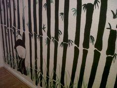Inspirados decorando las paredes
