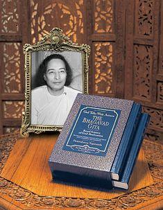 """Paramahansa Yogananda's """"God Talks With Arjuna: The Bhagavad Gita"""""""