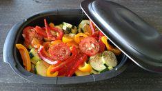 Quelques légumes du soleil pour accompagner un rôti de veau Recette  3 à 4 tomates 2 courgettes 1 oignon 2 poivrons sel, poivre herbes de Provence 1 filet d'huile d'olive 2 pincées de piment...