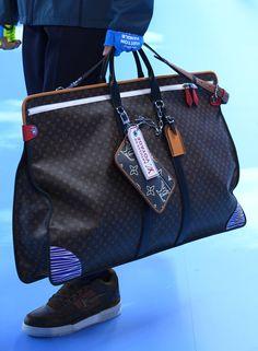 Louis Vuitton : Runway - Paris Fashion Week - Menswear F/W - Zimbio Louis Vuitton Sneakers, T-shirt Louis Vuitton, Louis Vuitton France, Baskets Louis Vuitton, Louis Vuitton Luggage, Louis Vuitton Handbags, Louis Vuitton Monogram, Handbags For Men, Lv Handbags