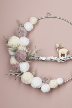 Make your own Pom Pom wreath. Find instructions on how to decorate your Christmas wreath and more DIY inspiration on our website. Christmas Advent Wreath, Holiday Wreaths, Holiday Fun, Holiday Crafts, Christmas Crafts, Xmas, Christmas Tree, Pom Pom Wreath, Diy Wreath
