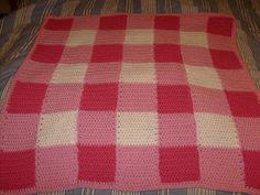 Gingham-Look baby blanket ~ Free crochet pattern