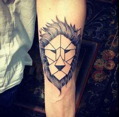 Lion tatouage