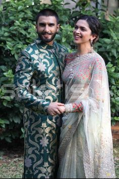 """Ranveer Singh and Deepika Padukone's """"chemistry"""" makes your heart melt every time you see them together. Definitive Proof That Deepika And Ranveer's Relationship Is The Absolute F*cking Worst Deepika Ranveer, Ranveer Singh, Deepika Padukone, Aishwarya Rai, Celebrity Couples, Celebrity Pictures, Celebrity Weddings, Wedding Pics, Wedding Styles"""