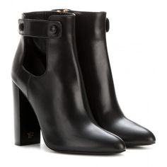 Tom Ford Leather Ankle Boots (19,690 MXN) ❤ liked on Polyvore featuring shoes, boots, ankle booties, ankle boots, bota, sapatos, black, ankle shoes, black bootie and black leather ankle booties