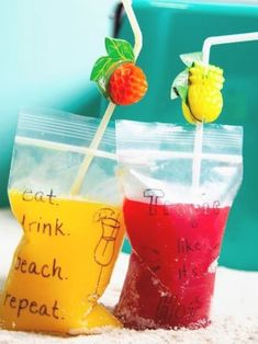 Green Tea Cocktail, Cocktail And Mocktail, Beach Cocktails, Refreshing Cocktails, Beach Alcoholic Drinks, Alcoholic Popsicles, Alcoholic Shots, Liquor Drinks, Pool Drinks