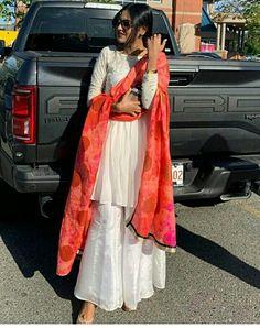 Punjabi Fashion, Indian Fashion, Womens Fashion, Plazzo Suits, Punjabi Models, Punjabi Actress, Boutique Suits, Frock Fashion, Dress Indian Style