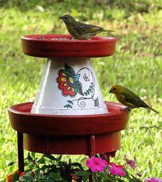vasinho pintado a mão - comedouro para pássaros