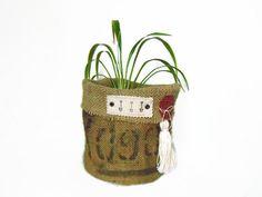 Cache pot en toile de jute panière ronde en toile par PHdecoration Deco Floral, Straw Bag, Burlap, Wax, Creations, Reusable Tote Bags, Vide Poche, Etsy, Vintage