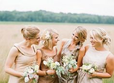 21 Neutral Bridesmaids, Bridal Party wearing neutral | http://www.fabmood.com/20-bridal-parties-wearing-neutral-at-real-weddings/