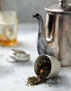 Le Palais des Thés - Teas from Around the World Collection Sipping Tea, Drinking Tea, Coffee Time, Tea Time, Cuppa Tea, Tea Caddy, Tea Art, My Cup Of Tea, Loose Leaf Tea