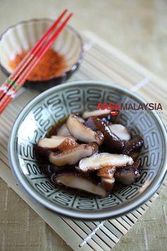 Braised Mushroom with Dashi Recipe | http://rasamalaysia.com