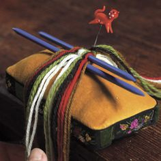 Magasin for Bunad og Folkedrakt Finger Weaving, Macrame, Braids, Knitting, Microsoft, Calendar, 1, New Pins, Lanyards
