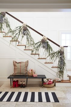 Get your entry way holiday ready! http://www.stylemepretty.com/living/2016/11/14/behind-the-scenes-gossip-from-our-family-circle-shoot/ Photography: David A. Land - http://www.davidaland.com/