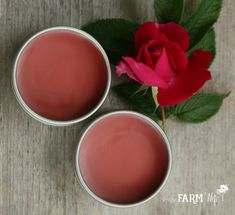 Peppermint Rose Lip Balm - Today, we're going to turn roses into lip balm! First, we'll need some rose petals. Diy Beauty Oil, Homemade Beauty, Beauty Tips, Beauty Stuff, Herb Recipes, Homemade Soap Recipes, Homemade Body Lotion, How To Make Rose, Lip Balm Recipes