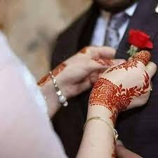 Couple Pics For Dp, Love Couple Images, Couple Dps, Romantic Couples Photography, Wedding Photography Poses, Couple Photography, Hand Photography, Unique Mehndi Designs, Bridal Mehndi Designs