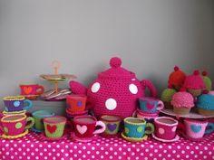 #DIY crochet tea set! perfect for girl play time!