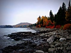https://flic.kr/p/5udopV | North Shore, lake, trees and mountain in the background #MSPDestination