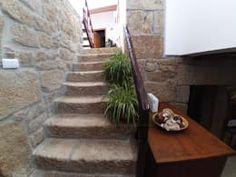 Projekty,  Korytarz, przedpokój i schody zaprojektowane przez MHPROJECT
