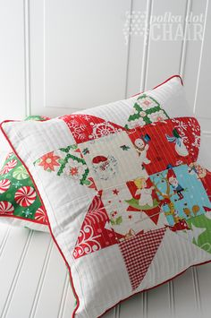 Patchwork Quilted Christmas Pillow Tutorial Polka dot chair, Pillow Decor sells large quality polyfill, feather and feather/down pillow posi, Christmas Patchwork, Christmas Quilt Patterns, Christmas Sewing, Christmas Christmas, Modern Christmas, Vintage Christmas, Christmas Quilting, Quilted Christmas Gifts, Xmas