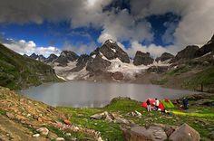 Chitta katha lake at its best... The crown of Neelum.. PAKISTAN fantabulous