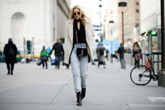 choker-necklace-high-waisted-jeans-jeans-and-booties-furry-coat-nigh-tout-giong-out-ellee-640x426