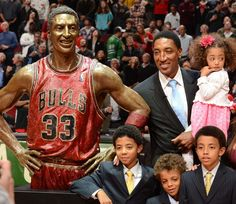 Scottie Pippen - Chicago - Sports Figures With Their Own Statues ...