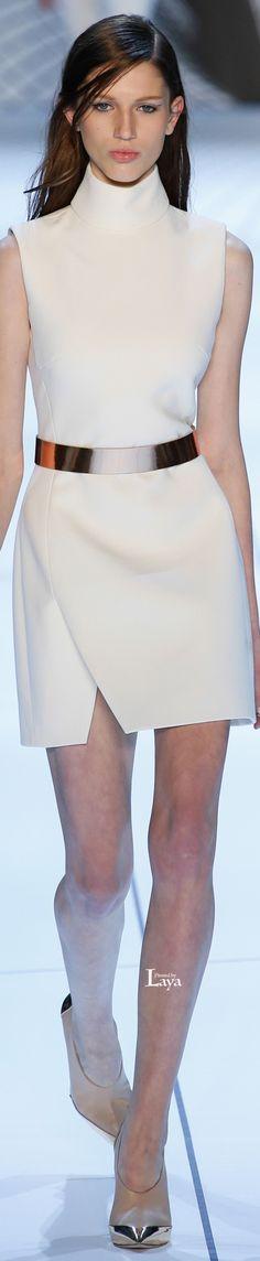 Mugler, fall 2015 Ready-to-Wear Love Fashion, High Fashion, Autumn Fashion, Classic Fashion, Couture Fashion, Runway Fashion, Casual Dresses, Fashion Dresses, Women's Dresses