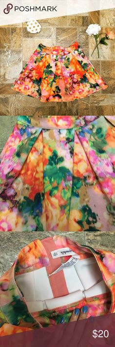 Abstract Floral Skirt Utterly gorgeous, colorful skirt. The design is like a multicolor abstract painting but gives off a floral vibe. Has wide pleating. Very soft. XS but fits like a small or medium. Smoke free home. No trades. Price negotiable. Aeropostale Skirts