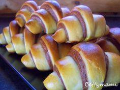 Csíkos kiflik – Betty hobbi konyhája Winter Food, Pretzel Bites, Nom Nom, Vitamins, Food And Drink, Bread, Sweets, Bakken, Brot