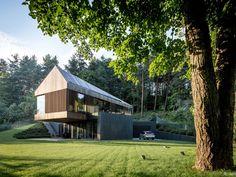 Nádherná vila ukrytá v lesoch neďaleko hlavného mesta - foto dňa   Mojdom.sk