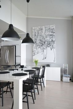 May 2020 - Black and white home decor and art. Ideas for the home in monochrome. See more ideas about Home decor, Home and White home decor. Luxury Dining Room, Dining Room Lighting, Dining Room Design, Dining Room Furniture, Dining Area, Decoration Inspiration, Dining Room Inspiration, White Interior Design, Black And White Interior